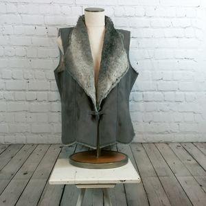 New Coldwater Creek faux fur Vest size Medium